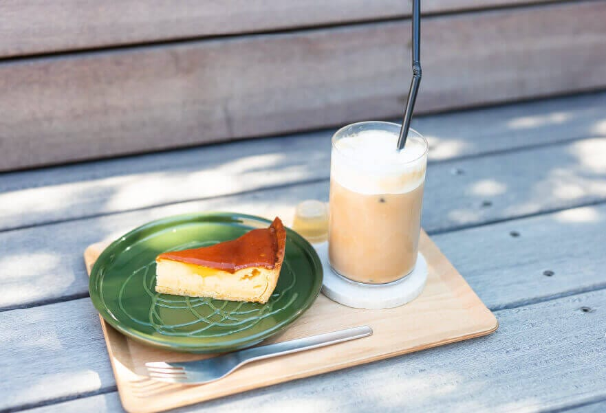 チーズケーキ、アイスカフェオレ